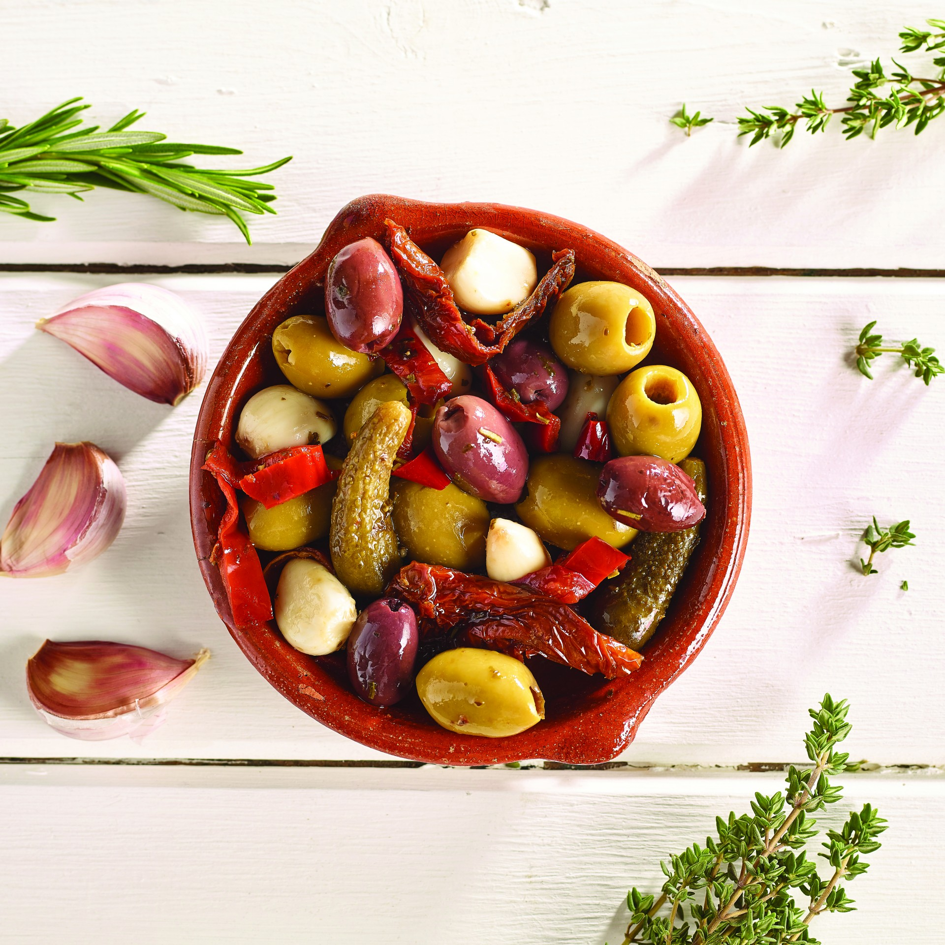 Mixed Pitted Olives with Antipasti